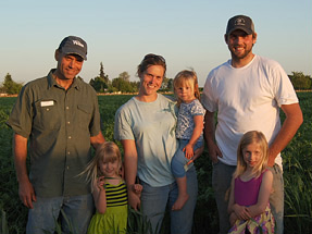 Ron Pearmine, Molly Pearmine McCargar, Ernie Pearmine and Molly's daughters L to R Lilly, Addy and Gracey.